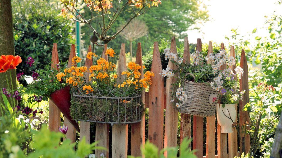 Einen Zaun Aus Einweg Paletten Bauen Garten Vorgarten Ideen Und Bepflanzung