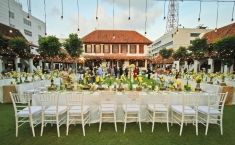 Beautiful open air wedding decoration in white and yellow shades in beautiful open air wedding decoration in white and yellow shades in jakarta project by junglespirit Gallery