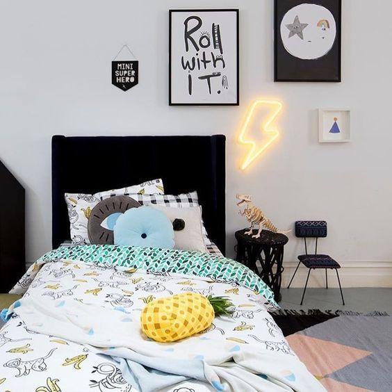 Luces de neón para decorar las habitaciones infantiles, juveniles y los dormitorios de bebés. Palabras, frases o siluetas como corazón, nube, rayo.