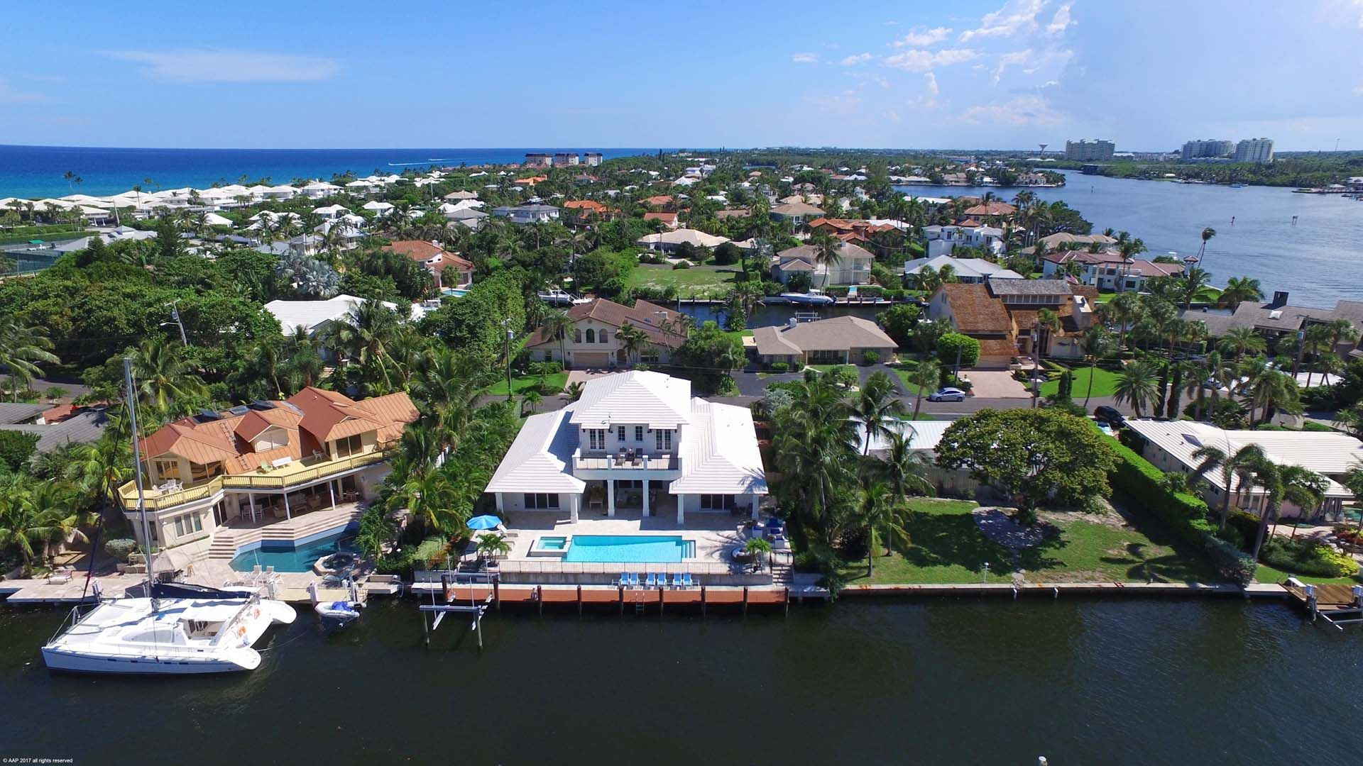 The Perfect Luxury Beach House Awaits At 124 Marlin Drive