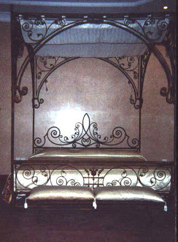 935f77ea01cf I don't know why but wrought iron beds and other iron furniture always  emanate a hint of romance no matter which design. Maybe it is the see.