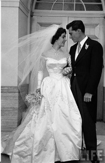 Elizabeth taylor wedding nicky hilton 1950 gown designed for Elizabeth taylor wedding dress
