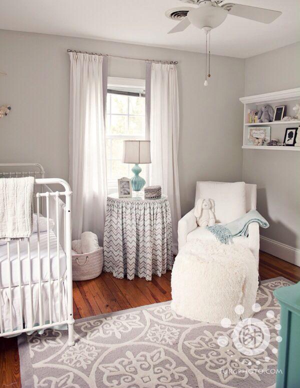 Moonshine Benjamin Moore Kinderzimmer Weiß Babyzimmer