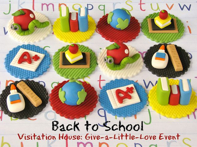 Bookworm Back to School Cupcake Toppers by Lynlee's Petite Cakes, via Flickr