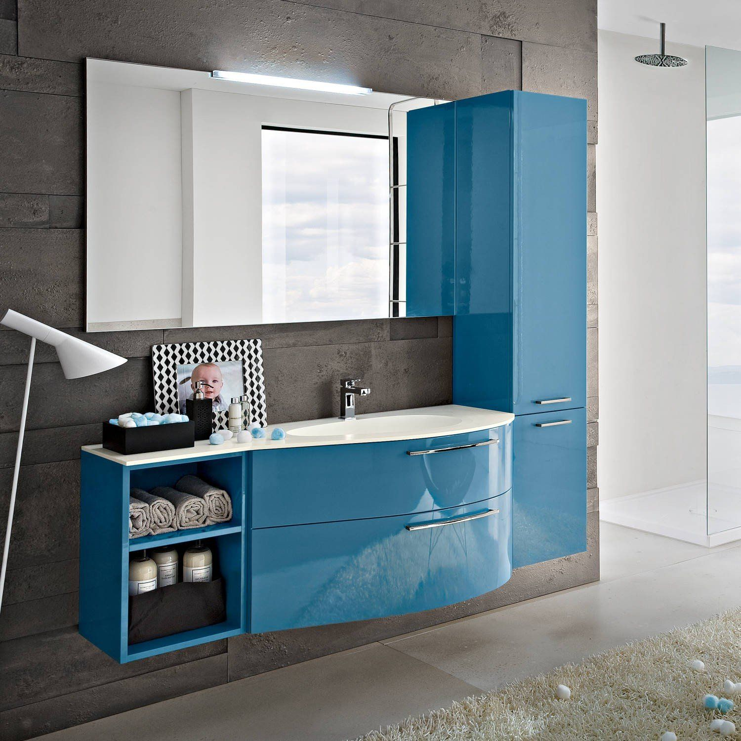 Perfect layout but loo instead of shelves | bagni | Pinterest ...