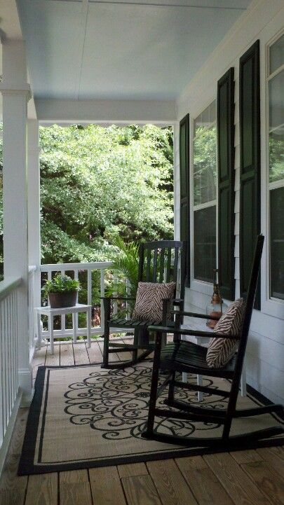 How To Create A Welcoming Porch Porch Furniture Rocking