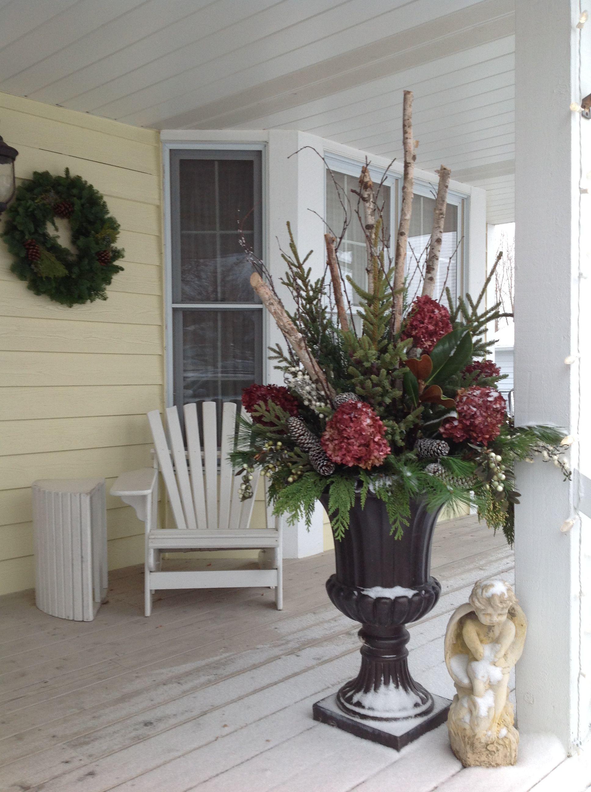 Christmas Arrangements For Outside