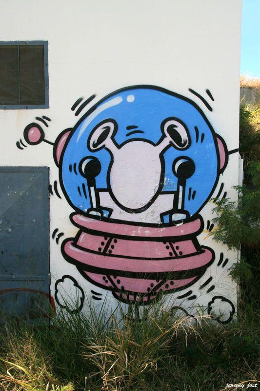 Mars attack gouzou jace pinterest street art graffiti mars attack mars attacksreunionsgraffitimuralsdo it yourself solutioingenieria Images