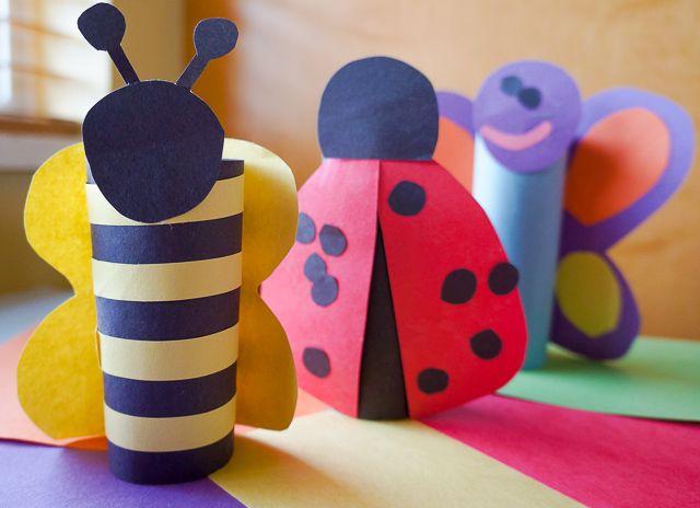 Rouleau de papier de toilette et papier construction pour confectionner des abeilles, coccinelles et papillons! #animalcraft #preschoolcraft
