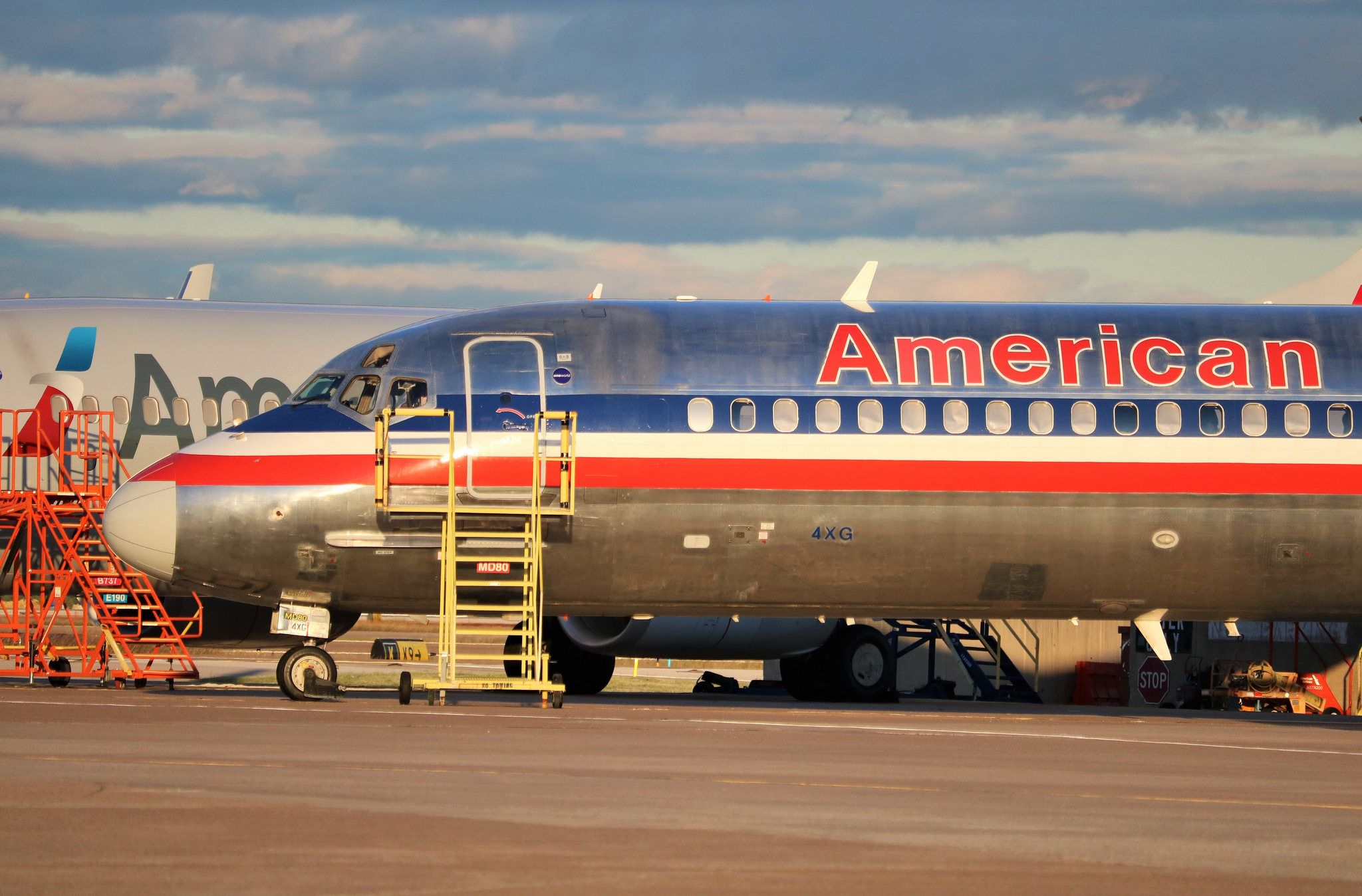 American Airlines MD83 American, Passenger aircraft