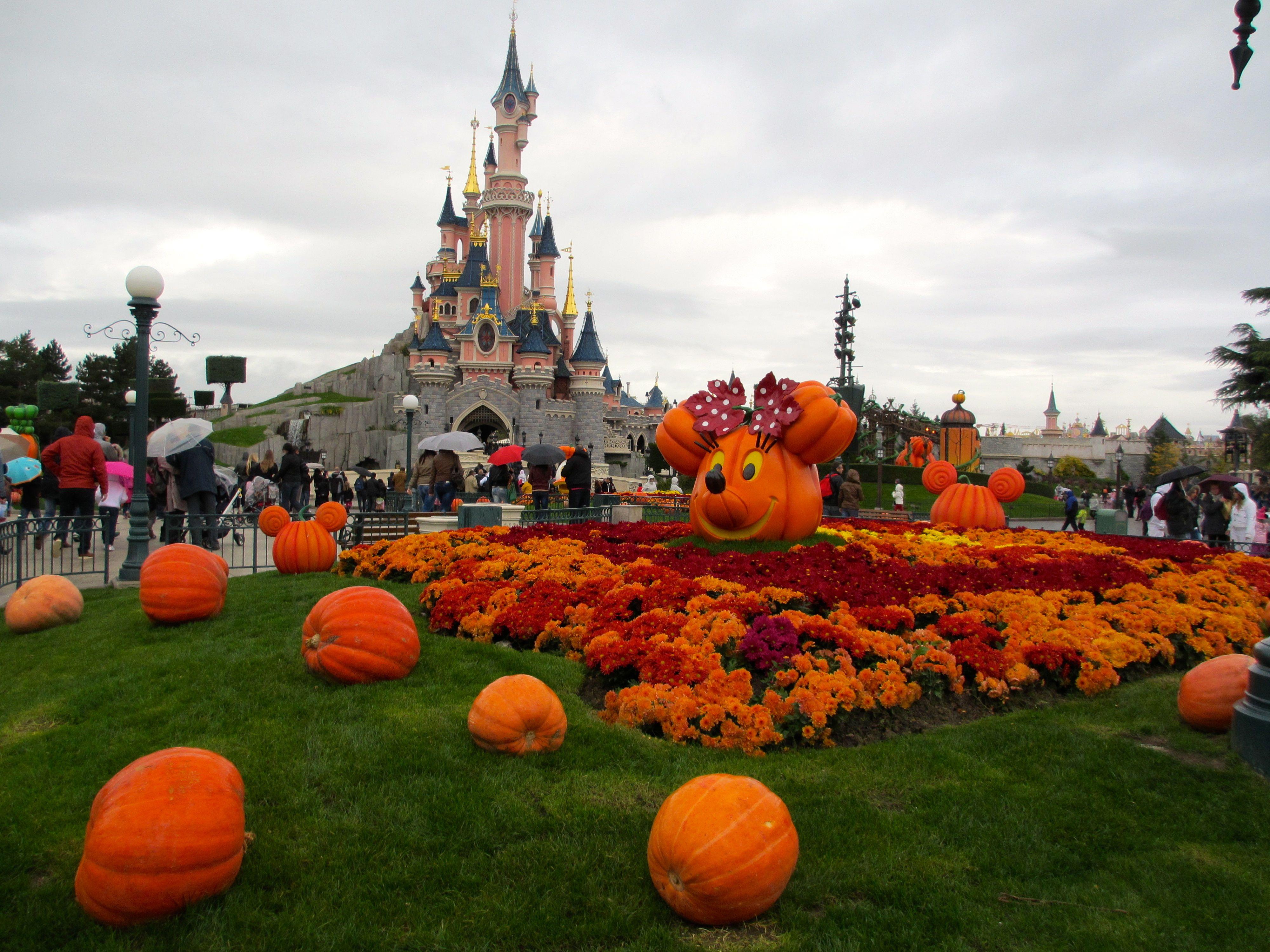 halloween - disneyland paris | disneyland paris | pinterest