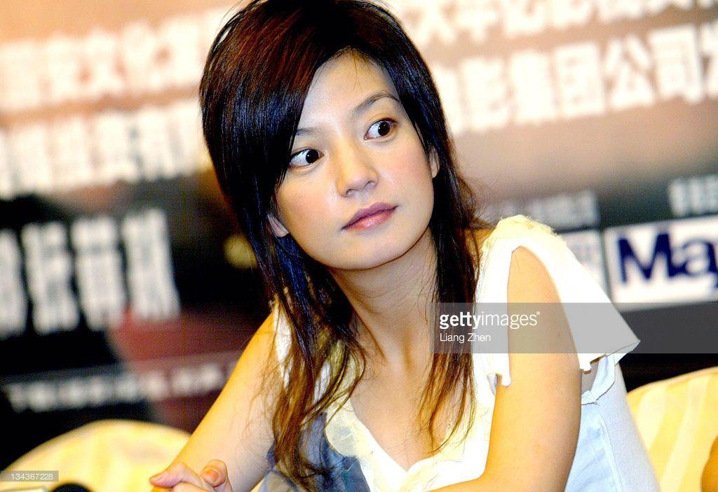 Jiang Wen During Vicki Zhao Wei And Jiang Wen Promote Green Tea In Shaolin Soccer Chinese Actress Kung Fu Hustle