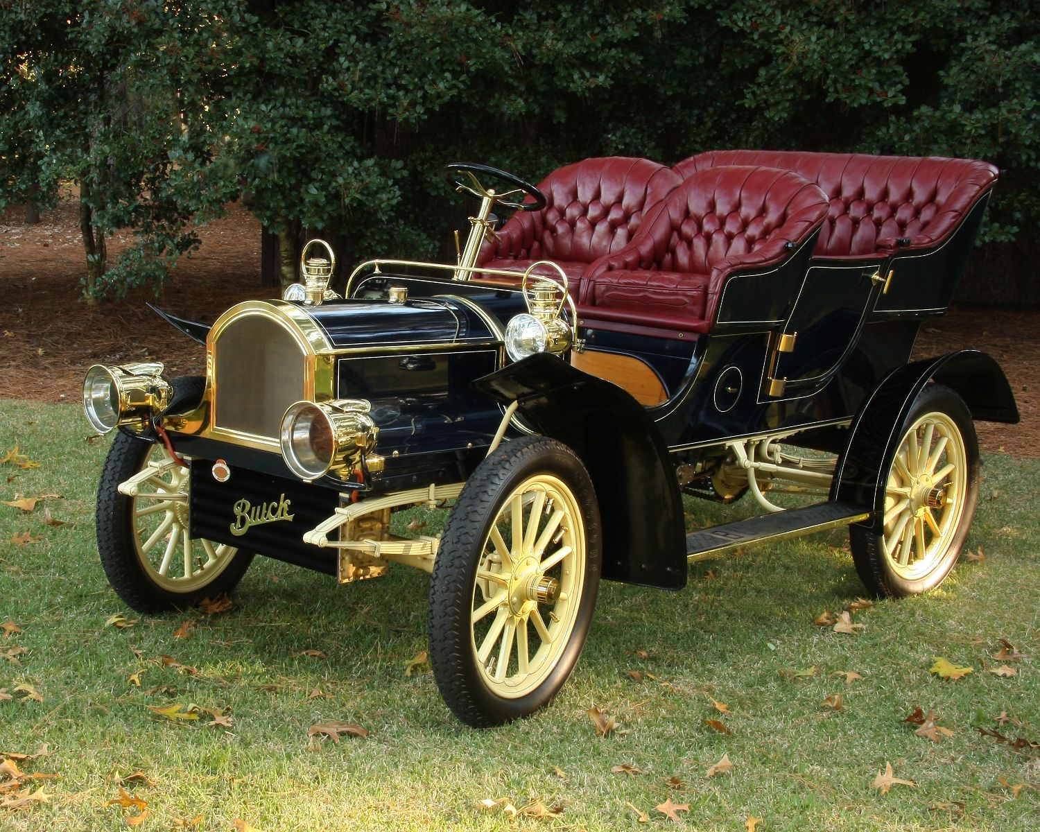 1905 Buick Model C: One of the earliest Buicks in existence, this ...