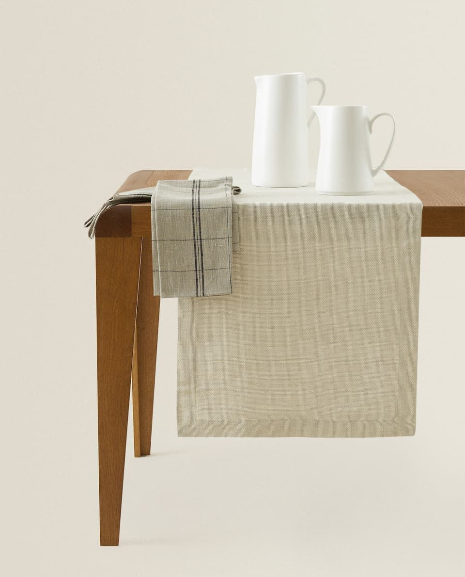 Linen Table Runner Table Runners Table Linens Dining Zara Home Canada In 2020 Linen Table Runner Zara Home Table Runners
