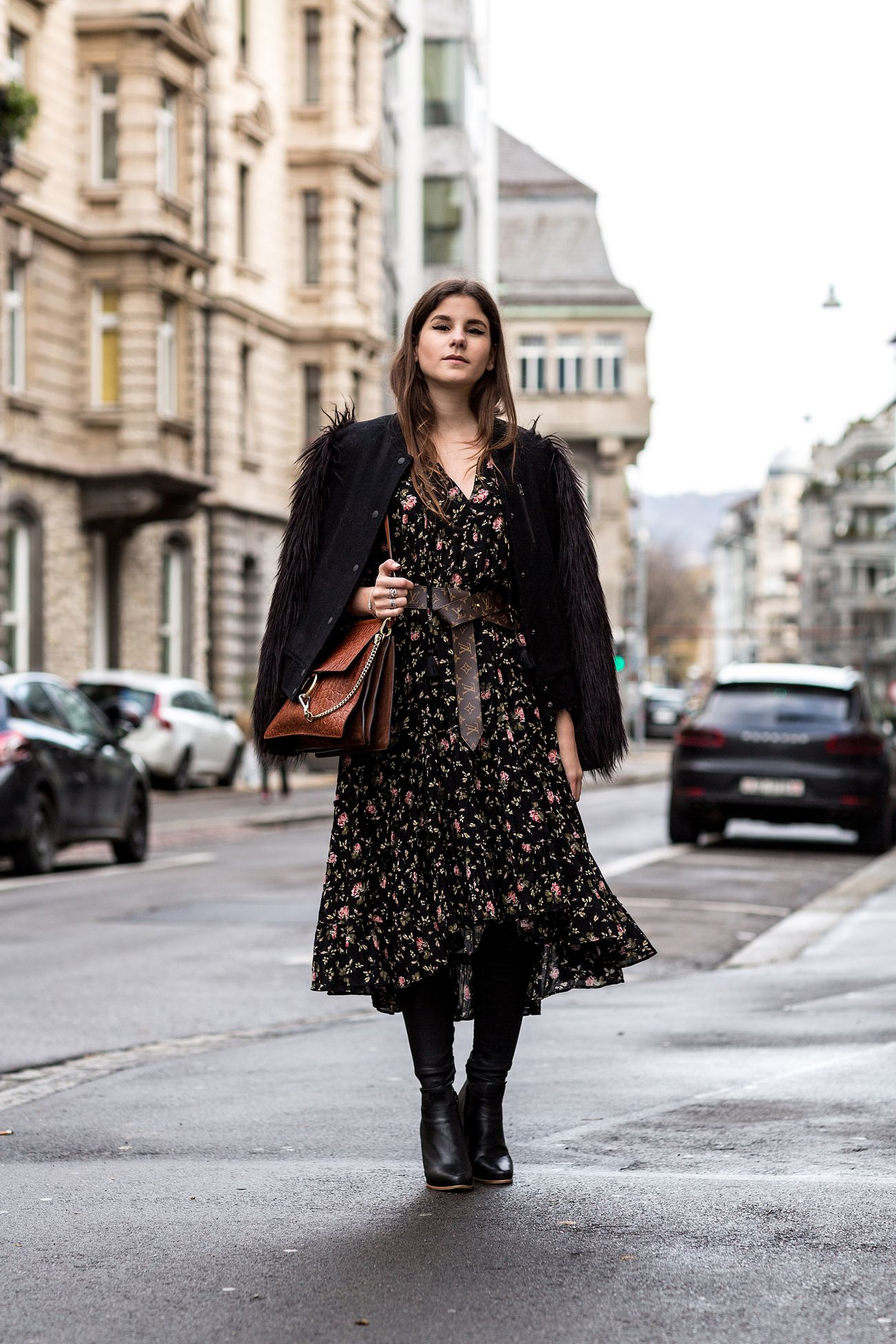 25 Reasons To Forget Seasonal Rules And Wear Florals During Winter Floral Dress Outfits Winter Dresses Winter Dress Outfits [ 1950 x 1300 Pixel ]