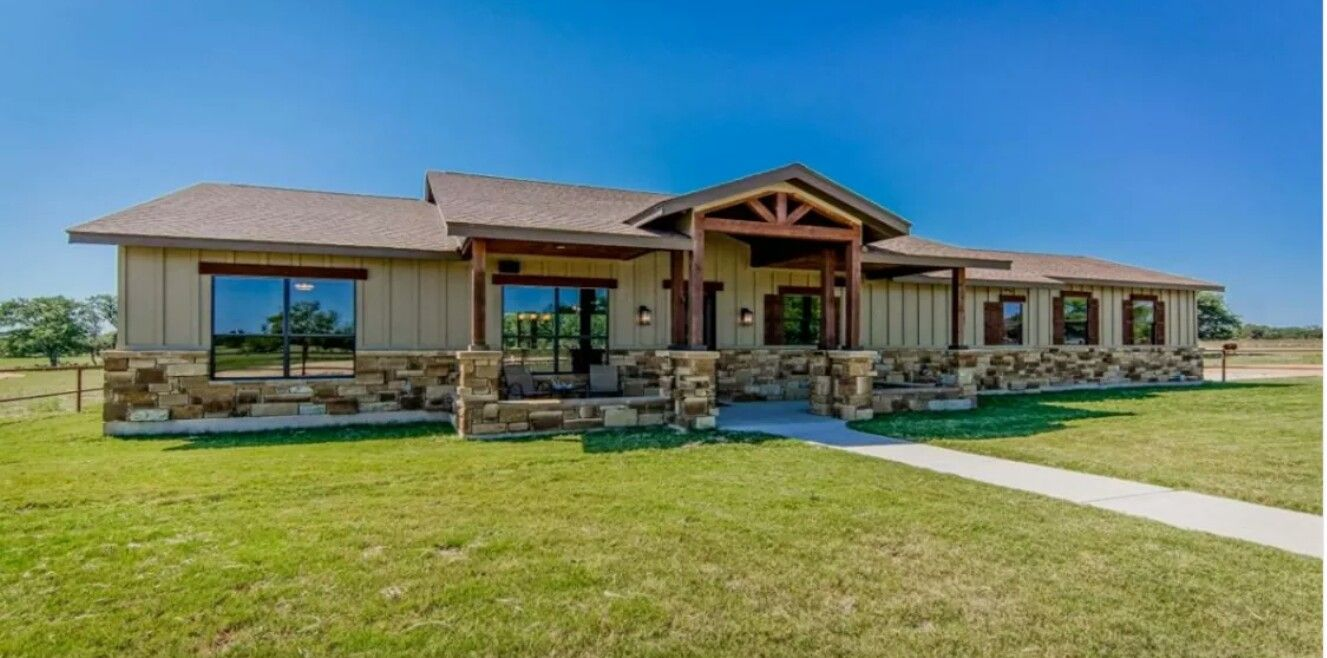 Pin by Shana Smith on Built homes Ranch house exterior