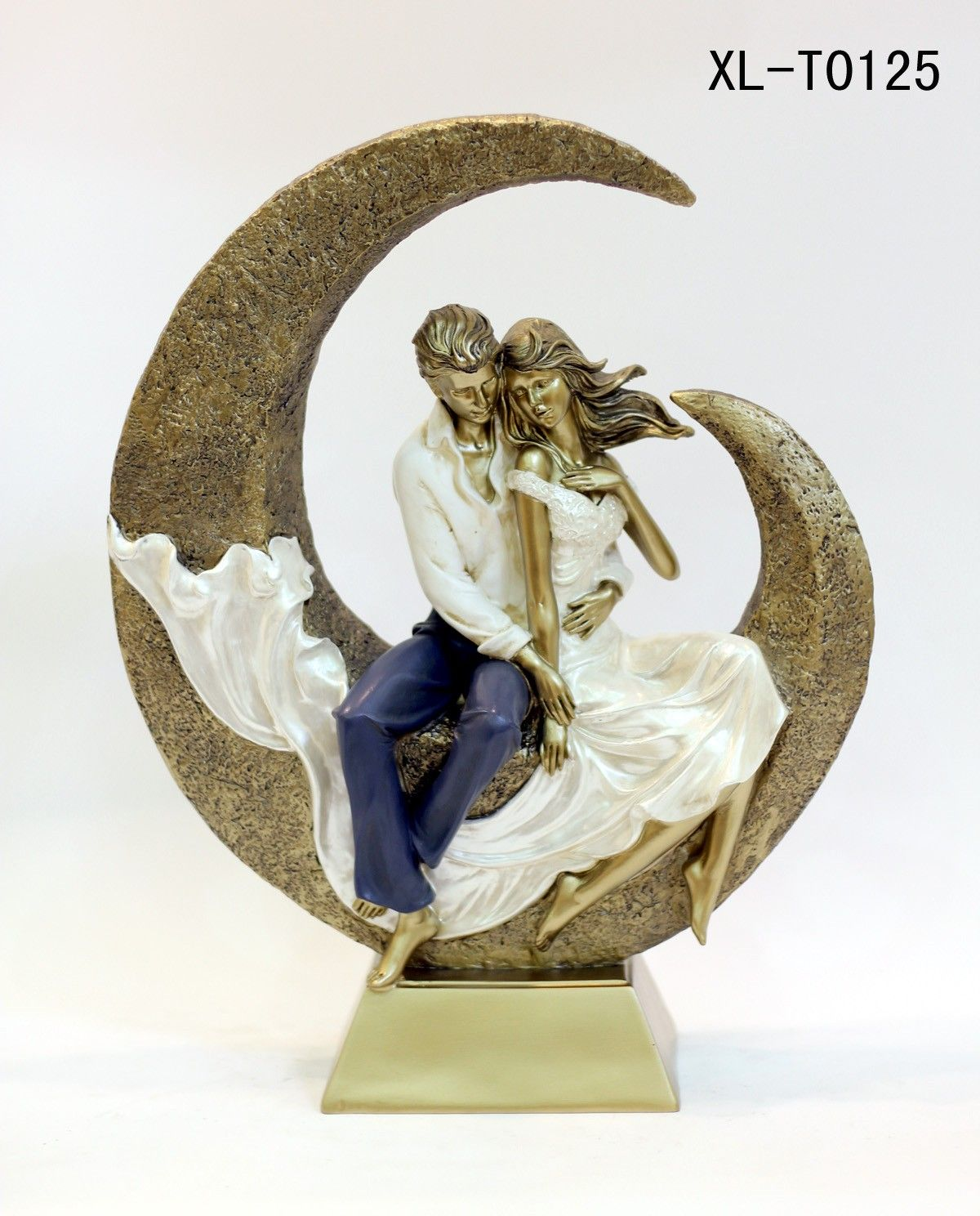 Beautiful romantic couple showpiece and gift article valentine beautiful romantic couple showpiece and gift article negle Images
