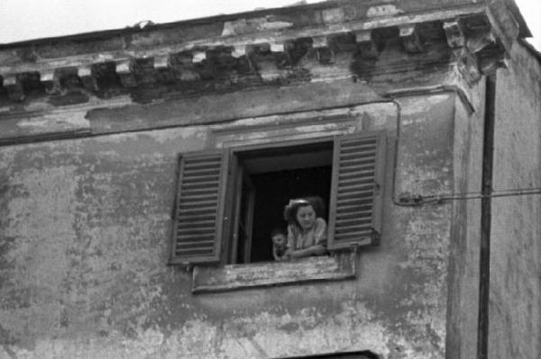 Tanto tempo fa una ragazza alla finestra donne alla finestra pinterest - Ragazza alla finestra ...