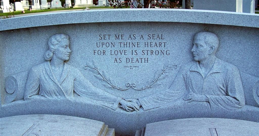 The Couples Unusual Headstone Depicts The Couple In Pajamas