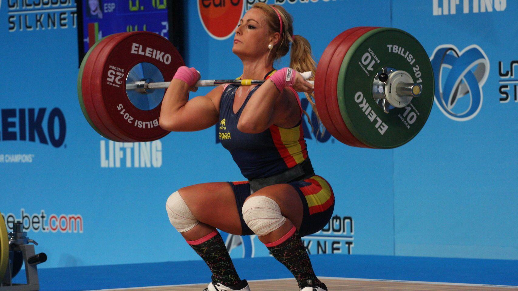 Lidia Martín, ponferradina y medalla de bronce en halterofia en los JJOO 2016 de Brasil.  Bien por esta mujer, guapa y fuerte.