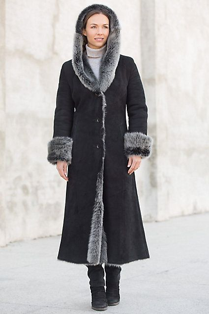Crafted from premium sheepskin with full Toscana, the Dakota hooded coat dresses you for days or evenings with lovely head-to-toe protection. Free shipping + returns.
