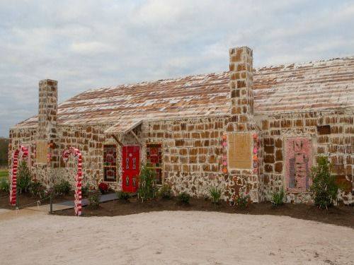The Biggest Gingerbread House Ever Gingerbread Raised House House