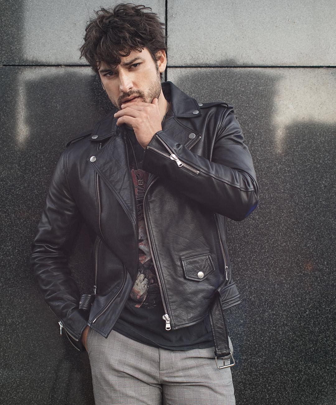 Pin By Aracely Carranco On Alp Leather Jeans Men Vogue Men Leather Jacket Men [ 1301 x 1080 Pixel ]