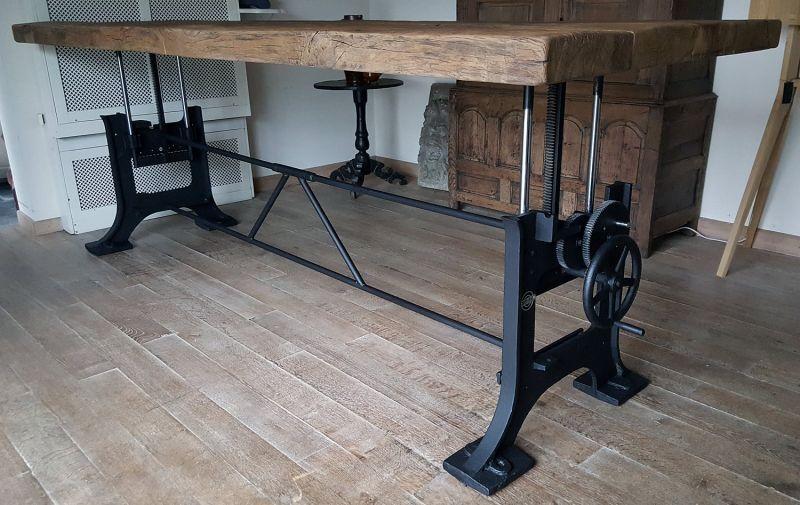 Industriele Tafel Poten : Hoogte verstelbare industriele tafel oude gietijzeren poten