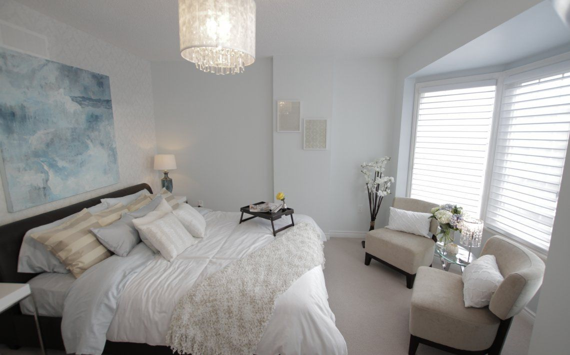 Cuadro cabecero. Property Brothers | Guest bedroom decor ...