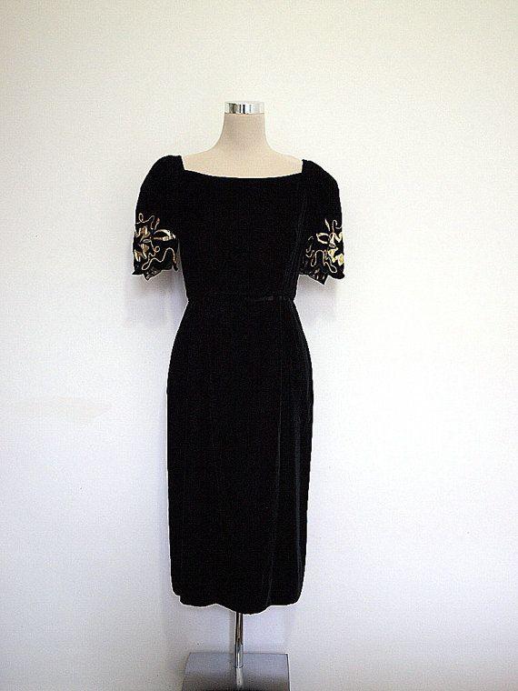 3d8fb02d8310 Black velvet dress by Lee Jordan New York Vintage by hurdyburdy, $75.00