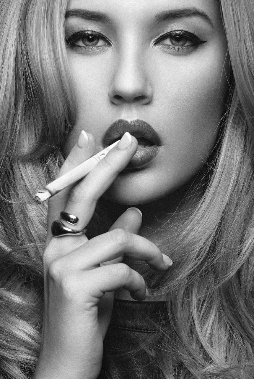 submissive-sexy-girl-cigarette-smokers