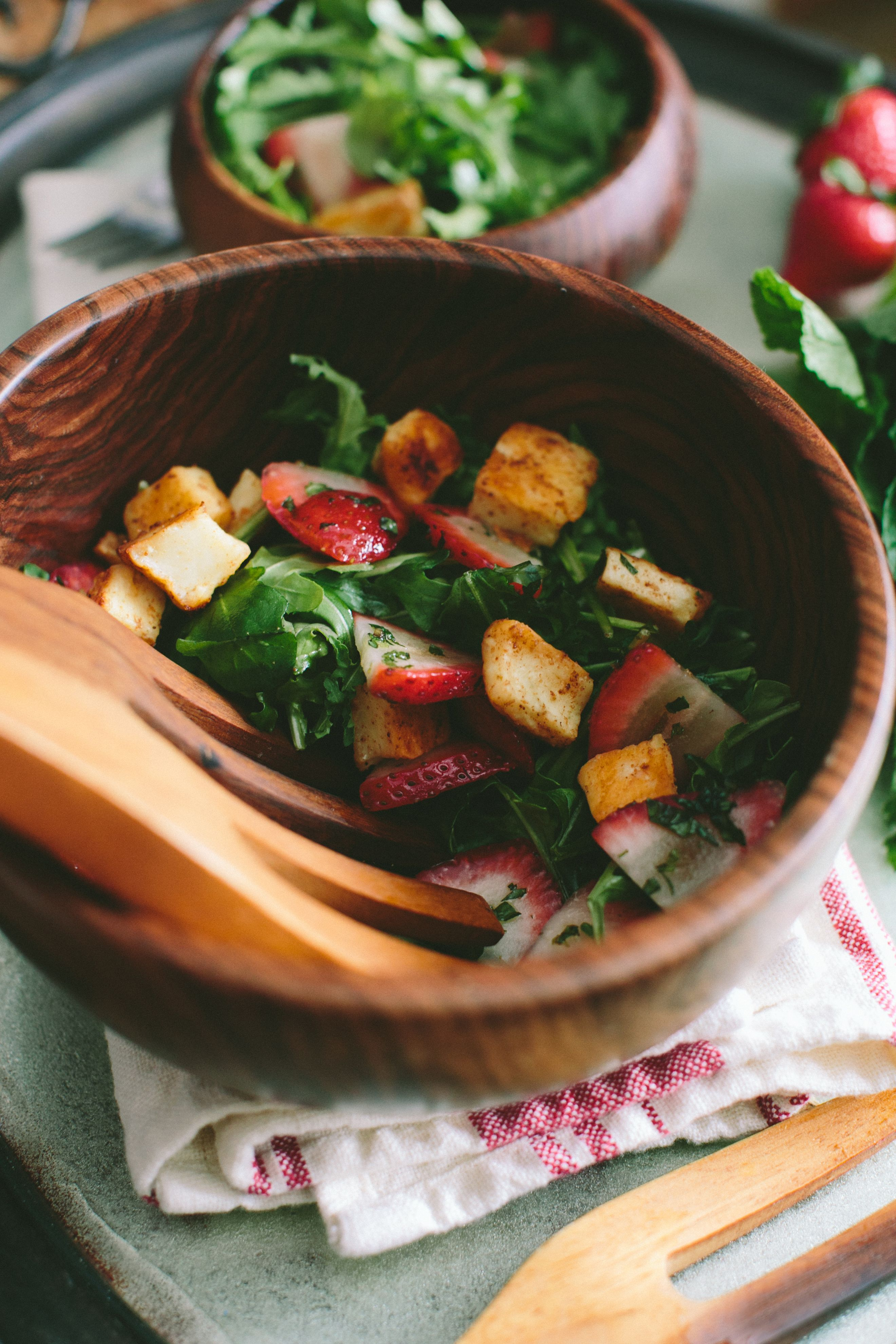 Strawberry and Fried Halloumi Salad // A Thought For Food #vegetarian #recipe