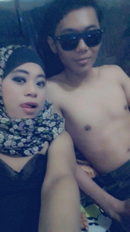 Tudung Boegl Couple Melayu Yang Panas | GambarBogel.Net