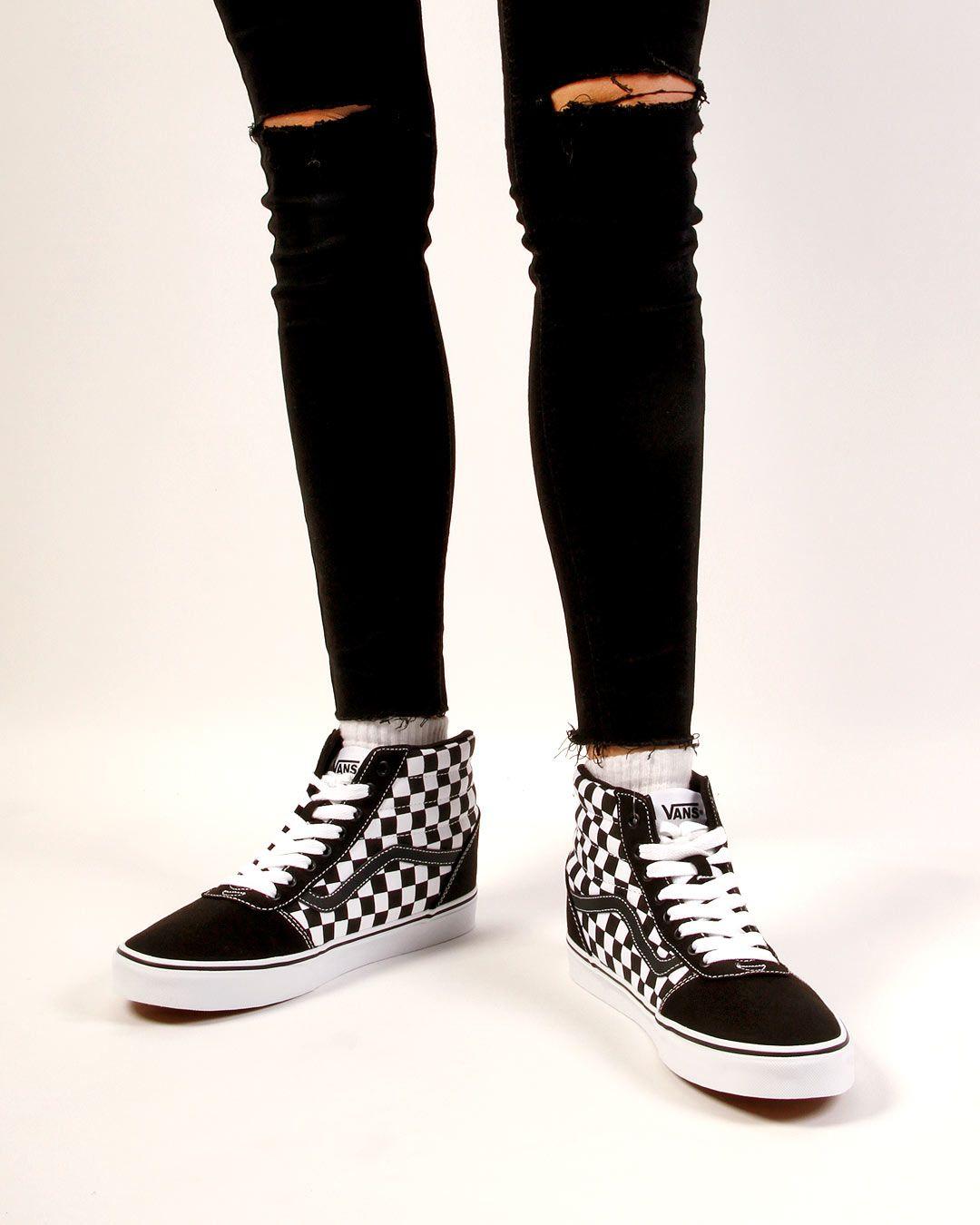 Vans Ward Hi Sneaker in schwarzweiß #sneaker #sneakerstyles