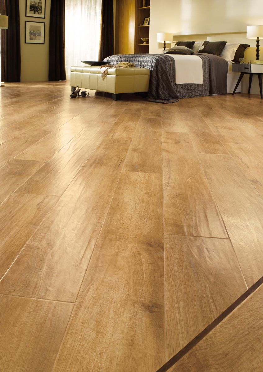 """Karndean Art Select Spring Oak RL01 vinyl flooring offers beauty and warmth of a traditional blonde oak floor. This classic looking pale blonde oak creates an airy, fresh feeling space and has a gently moulded surface for a traditional 'hand scraped' timber look.<br /><br />If you'd like to use Design Strips with your LVT floor, you can use <a href=""""/advice/how-many-design-strips"""" target=""""_blank"""">this page</a> to calculate how many boxes to buy."""
