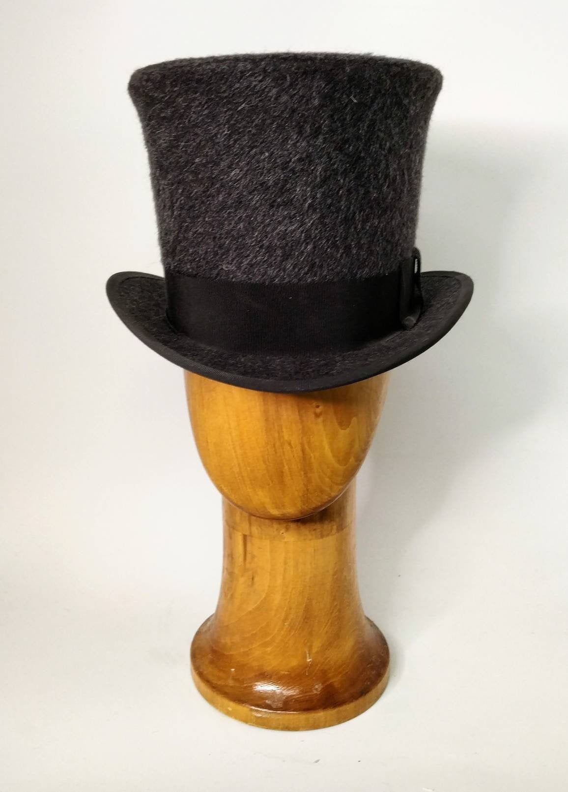 Grey Top Hat Altertinative Bride Rockabilly Steampunk Etsy In 2021 Top Hat Hats Wedding Top Hat