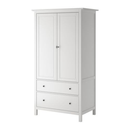 hemnes kleiderschrank ikea leichtg ngige schubladen mit ausziehsperre mit vierfach versetzbarem. Black Bedroom Furniture Sets. Home Design Ideas