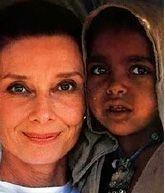 Audrey Hepburn queen of África, queen of love