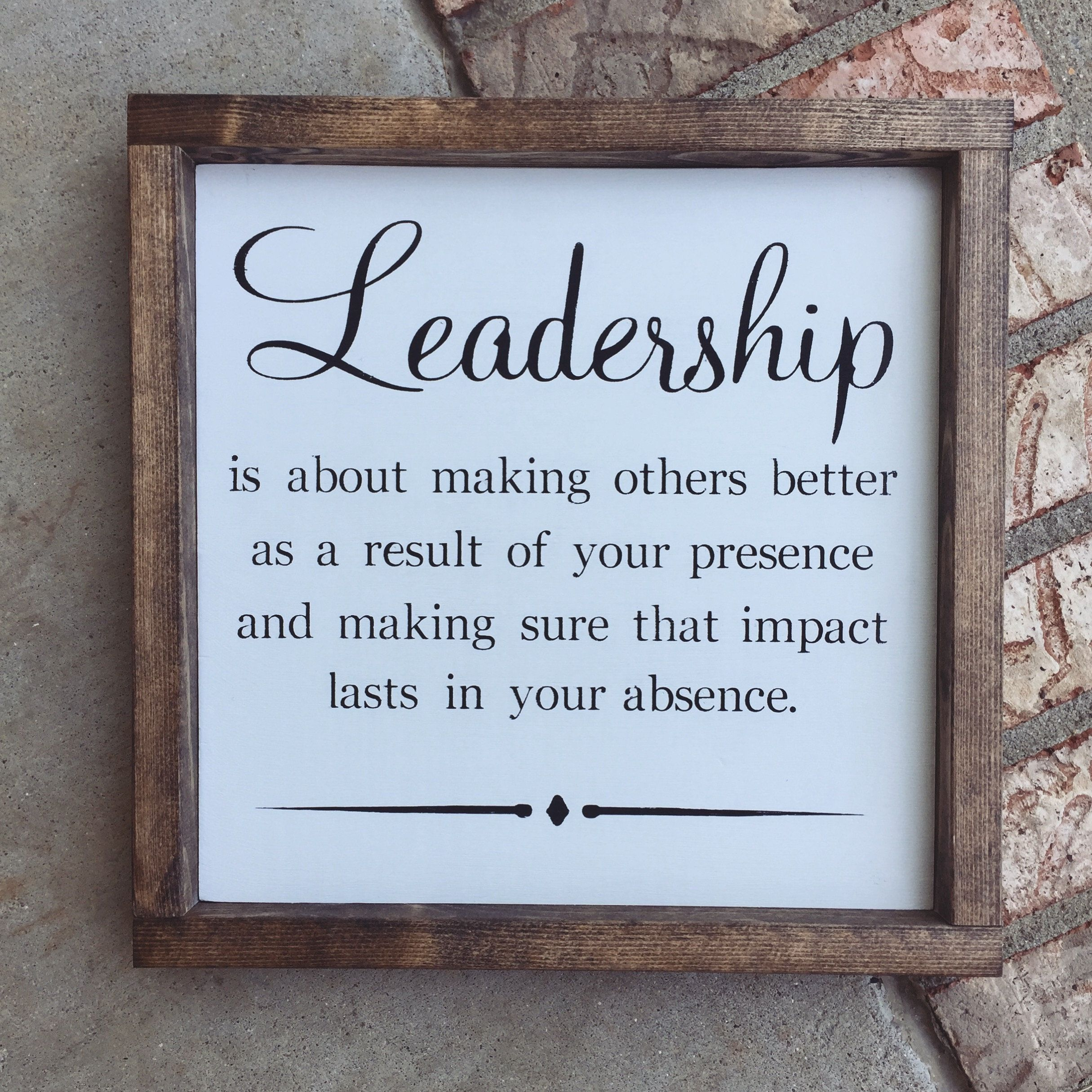 Leadership Quote Wood Sign Office Decor Retirement Gift Boss Gift In 2021 Gifts For Boss Gifts For Your Boss Gifts For Office