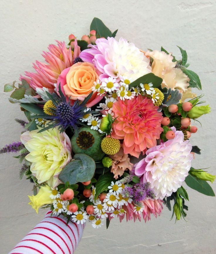 Pin di La figlia dei fiori su Bouquet (con immagini)