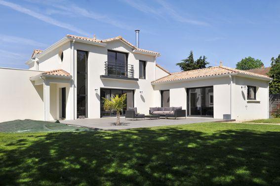moderne notamment dans les toitures il est parfaitement possible d 39 associer un toit plat une. Black Bedroom Furniture Sets. Home Design Ideas
