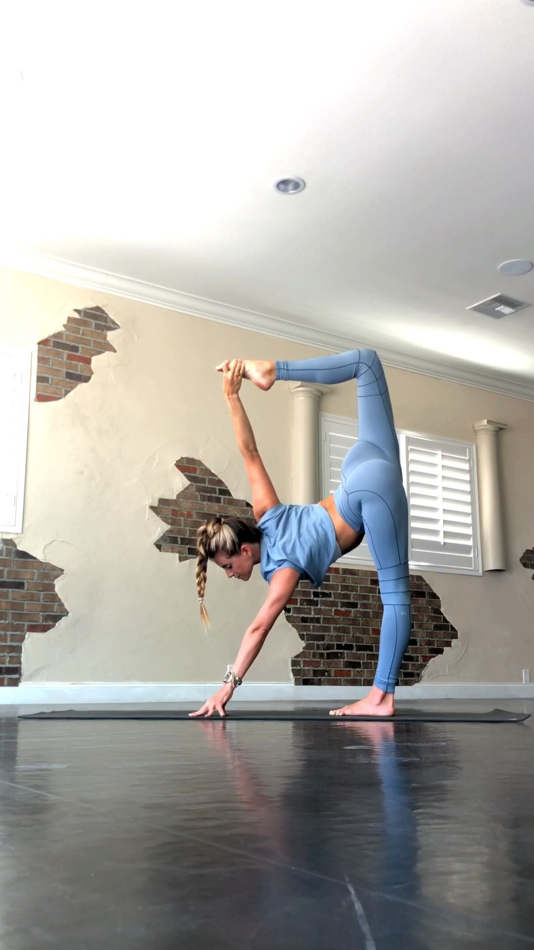 Flexibility Yoga Flow -  Splits flow. Let's stretch together. @yoga_ky #yoga #dancer #flexible  - #asana #Exercise #flexibility #Flow #Meditation #namaste #VinyasaYoga #YinYoga #Yoga #YogaFitness #YogaFlow #Yogagirls #YogaLifestyle #Yogaposes #YogaSequences