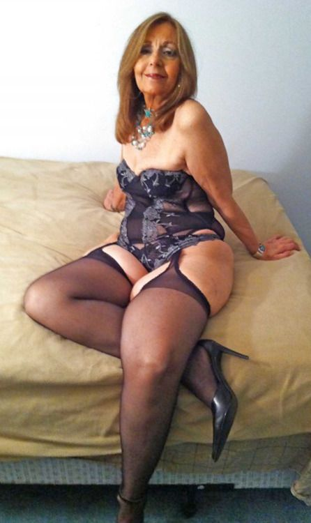 Chubby mature gallery