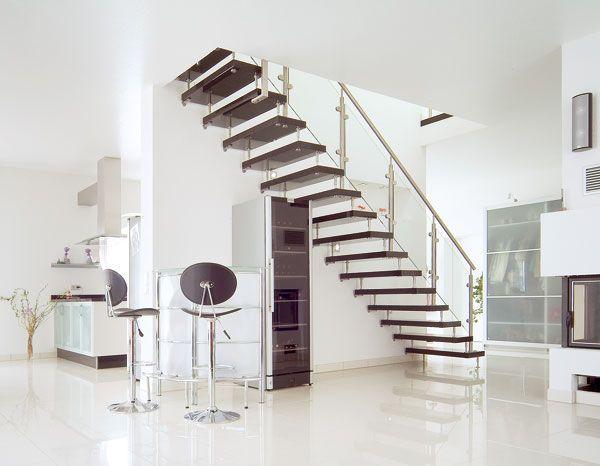freistehende treppe treppen pinterest treppe treppenhaus und offene treppe. Black Bedroom Furniture Sets. Home Design Ideas