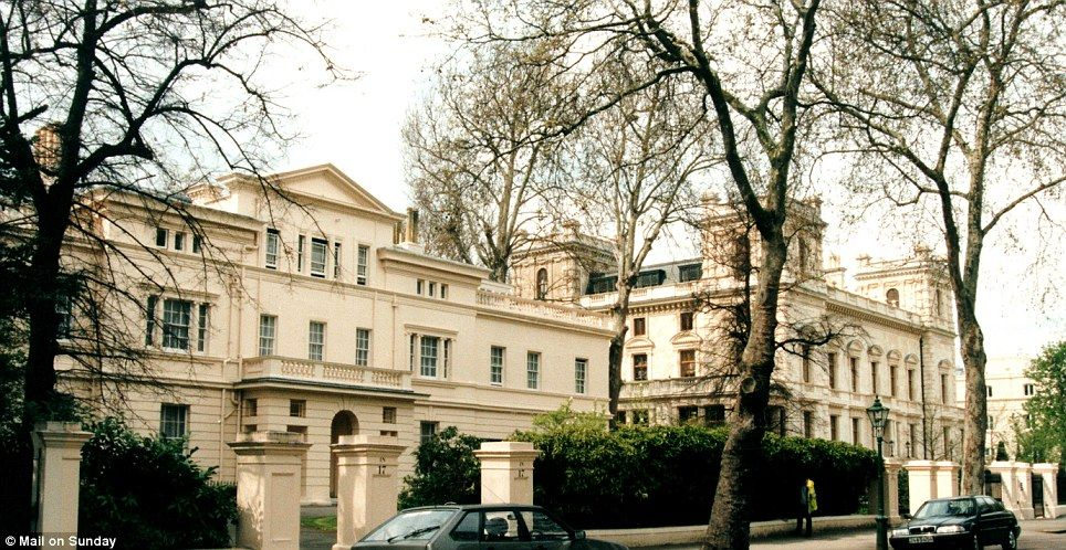 eaf2bdba7f4bd7c3e91d14dc57b72ced - Kensington Palace Gardens London Real Estate