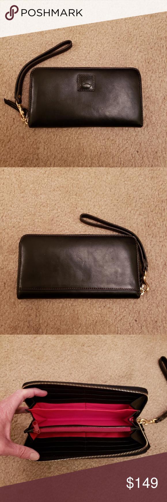 Dooney /& Bourke Florentine Large Zip Around Wristlet Wallet