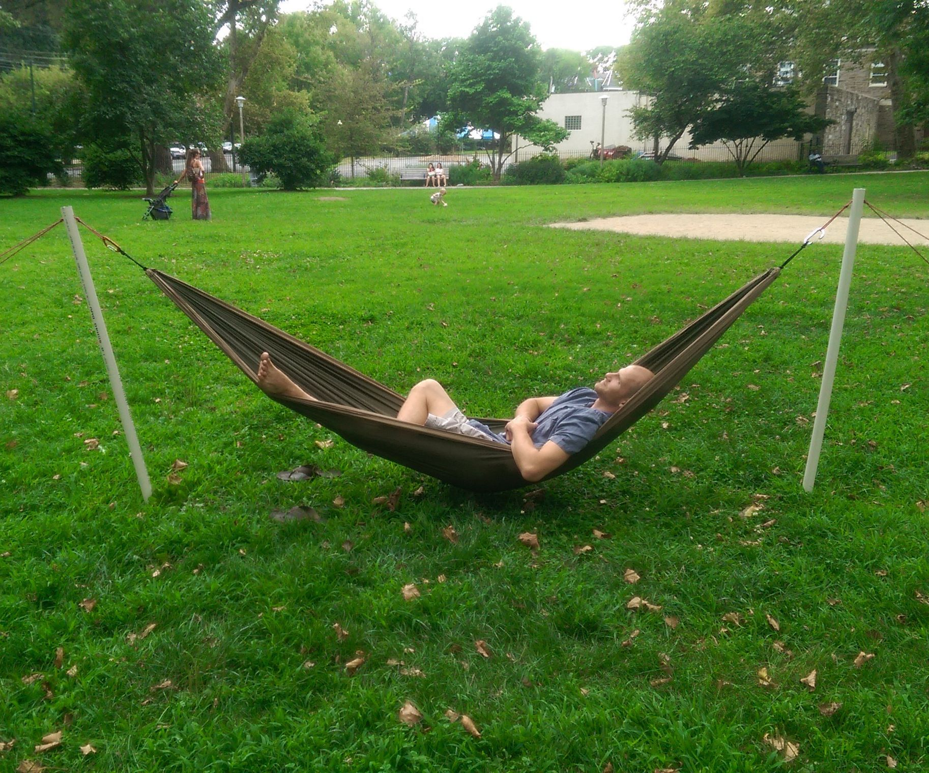 Portable hammock stand - Picture Of Free Standing Portable Hammock Stand