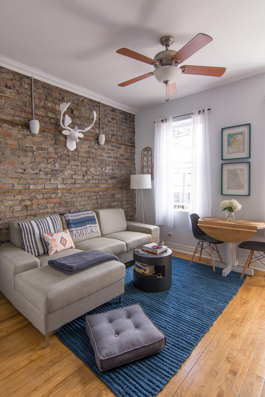 Tour a 400-square-foot Artsy Chicago Mini Loft | Mini loft, Loft ...