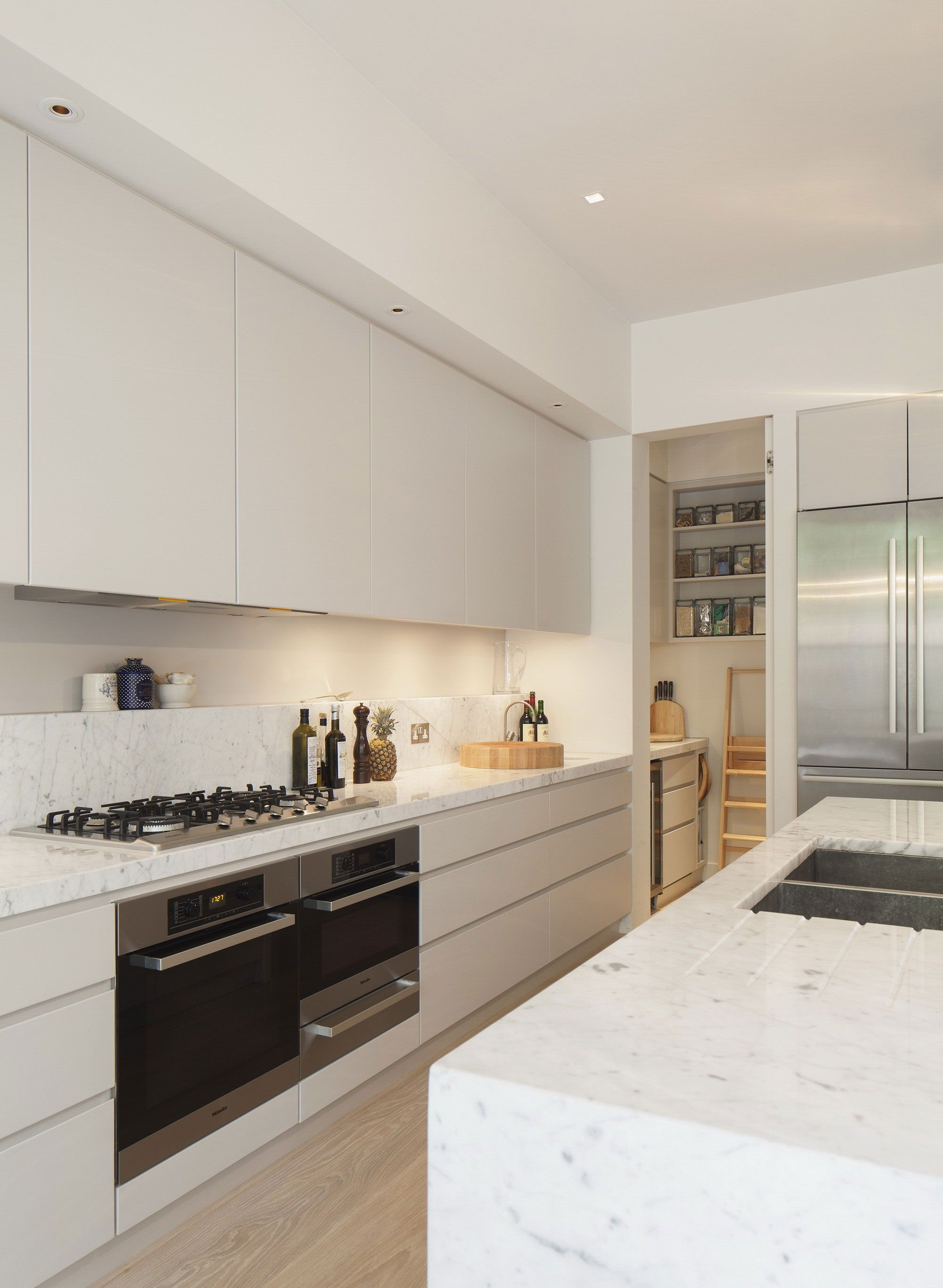 Simple kitchen with integrated pantry & fridge (no wasted space ...