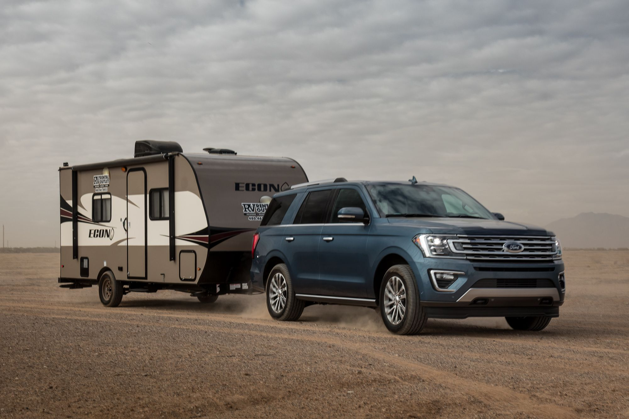 2018 Ford Expedition Bests Rivals In Crash Tests News From Cars Com In 2020 Ford Expedition Ford Expedition